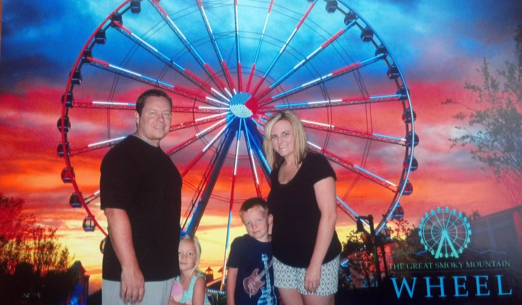 Shane and Jocelyn with kids at the Ferris Wheel in pigeon forge tn